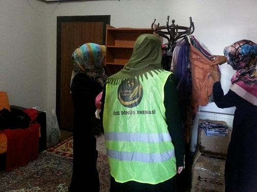 Mina Kadın Der'den Van ilinde bulunan muhtaç ailelere yardım çeki 3