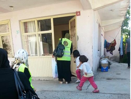 Mina Kadın Der'den Van ilinde bulunan muhtaç ailelere yardım çeki 4