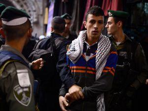 İsrail'den Cuma Namazına Yaş Sınırı