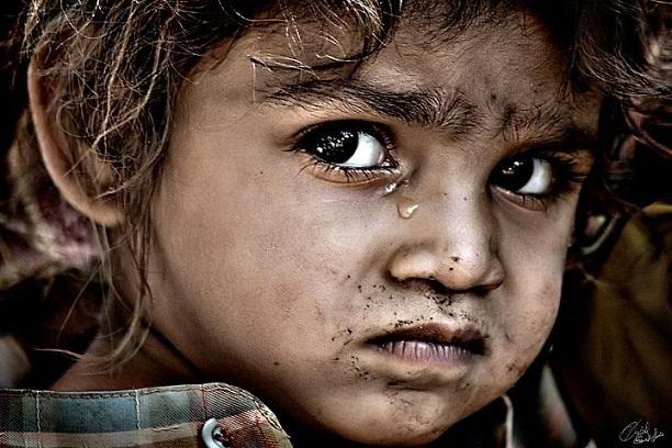 Merhametsiz bir dünyada çocuk olmak 1