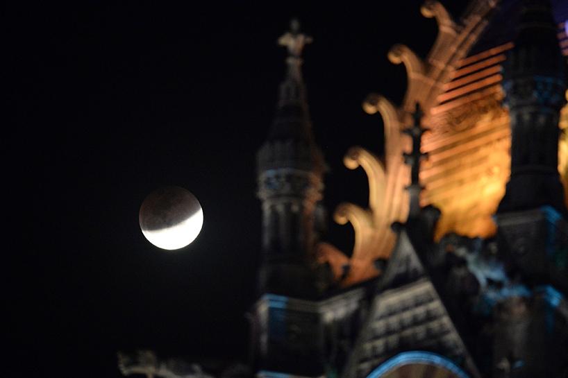Süper Kanlı Mavi Ay'dan muhteşem görüntüler 4