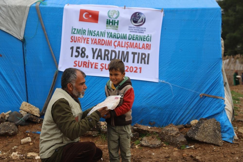 ÖZE DÖNÜŞ'ten Mültecilere Yardım 2