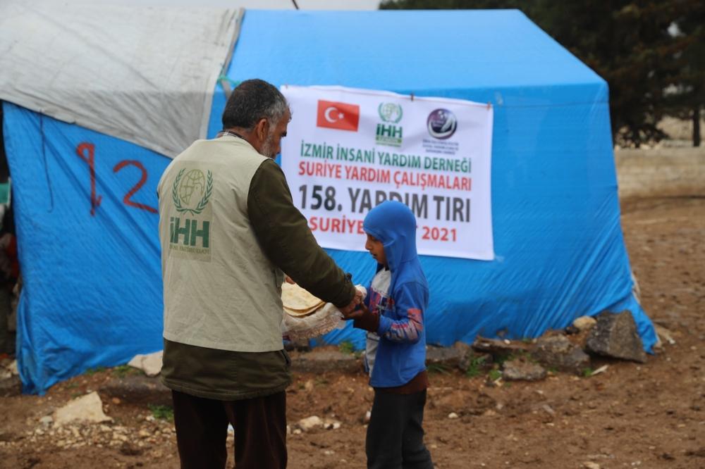 ÖZE DÖNÜŞ'ten Mültecilere Yardım 4