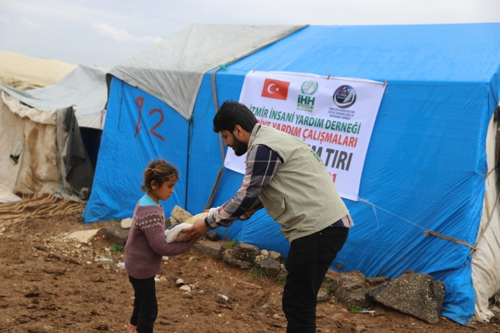 ÖZE DÖNÜŞ'ten Mültecilere Yardım 6