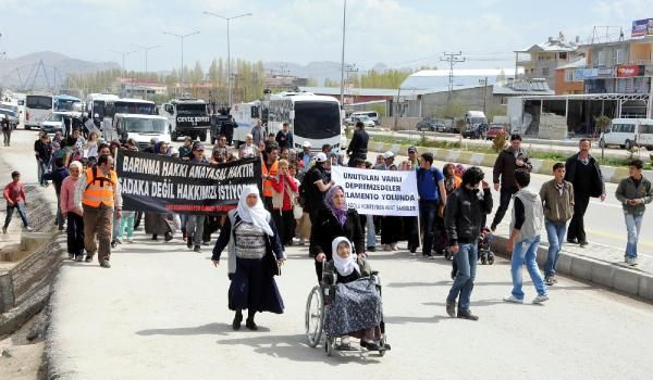 Depremzedeler Ankara'ya yürüyor 1