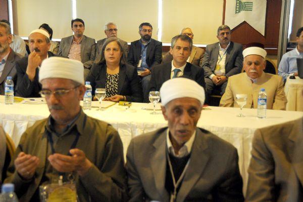 """""""Demokratik"""" İslam Kongresi'nin ilk günü sona erdi 5"""