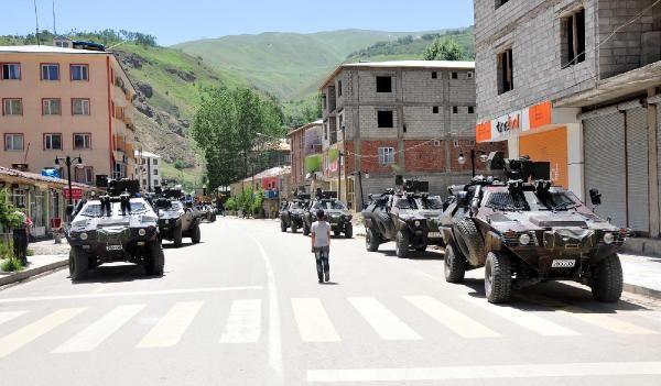 Çatak'ta yol kontrolüne asker ve polisten müdahale 7
