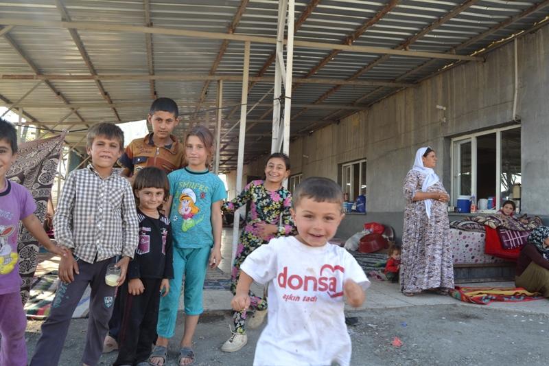 Şırnak'taki Ezidi Kampına Yardım 18
