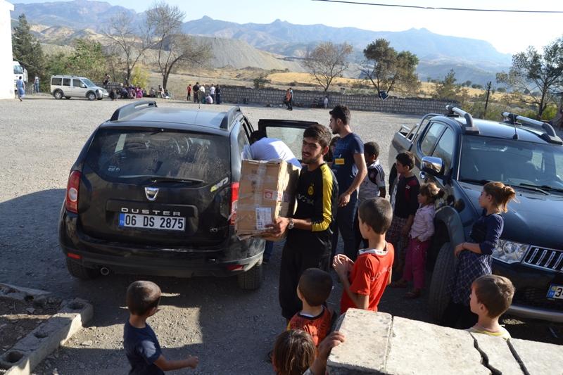 Şırnak'taki Ezidi Kampına Yardım 35