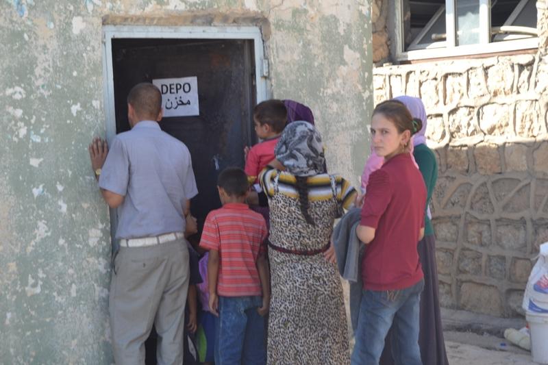 Şırnak'taki Ezidi Kampına Yardım 7