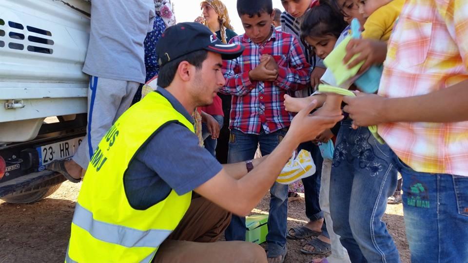 Öze Dönüş Platformu'nun Kobanili Muhacirlere Yardım Çalışması 11