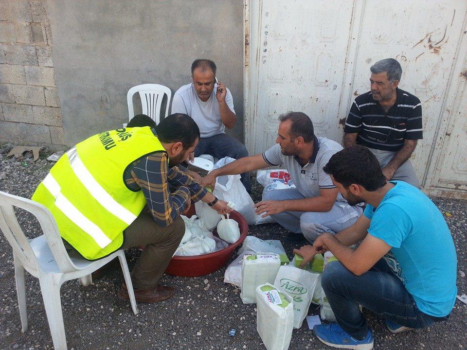 Öze Dönüş Platformu'nun Kobanili Muhacirlere Yardım Çalışması 16