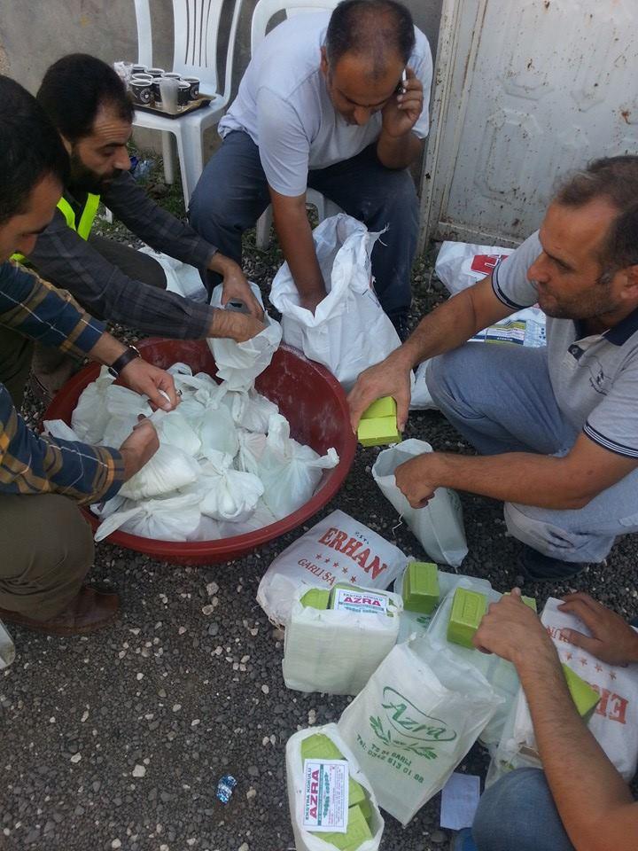 Öze Dönüş Platformu'nun Kobanili Muhacirlere Yardım Çalışması 24