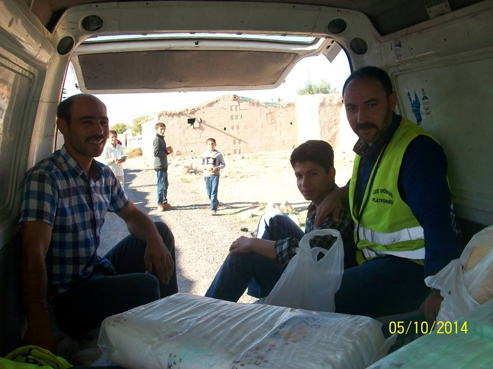 Öze Dönüş Platformu'nun Kobanili Muhacirlere Yardım Çalışması 26