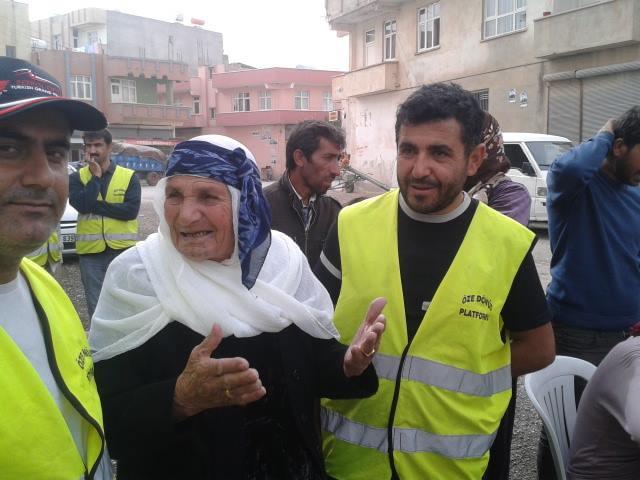 Öze Dönüş Platformu'nun Kobanili Muhacirlere Yardım Çalışması 4