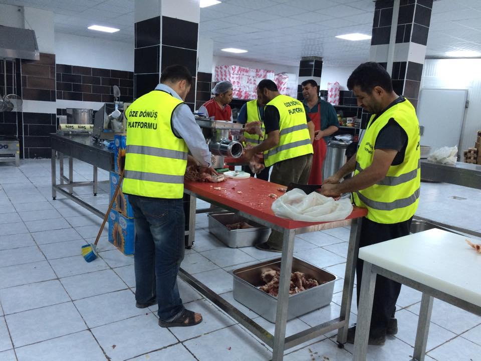 Öze Dönüş Platformu'nun Kobanili Muhacirlere Yardım Çalışması 44