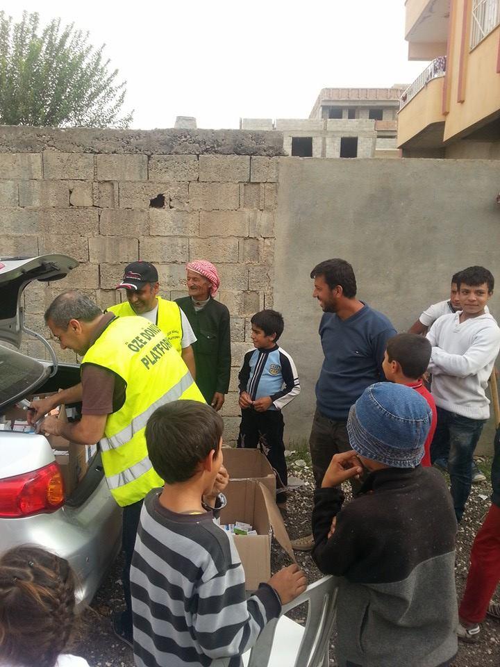 Öze Dönüş Platformu'nun Kobanili Muhacirlere Yardım Çalışması 6