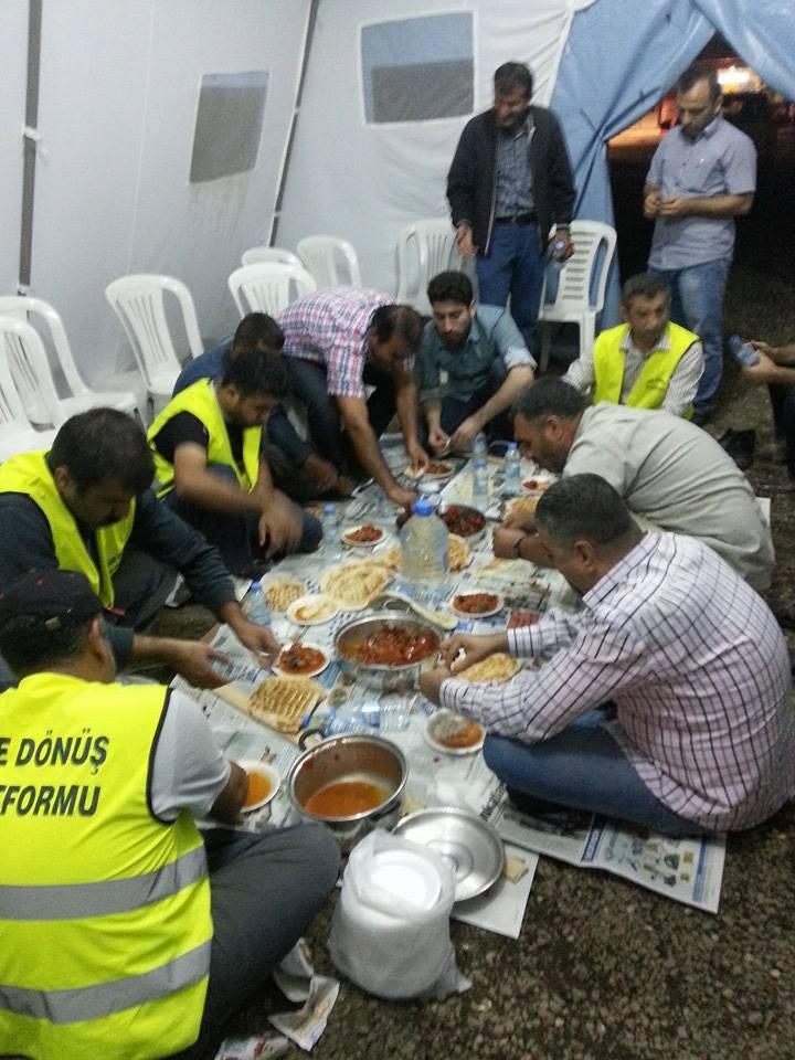 Öze Dönüş Platformu'nun Kobanili Muhacirlere Yardım Çalışması 84