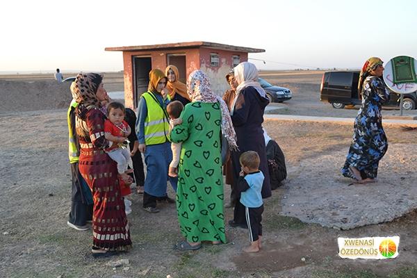 Öze Dönüş Platformu'nun Kobanili Muhacirlere Yardım Çalışması 98