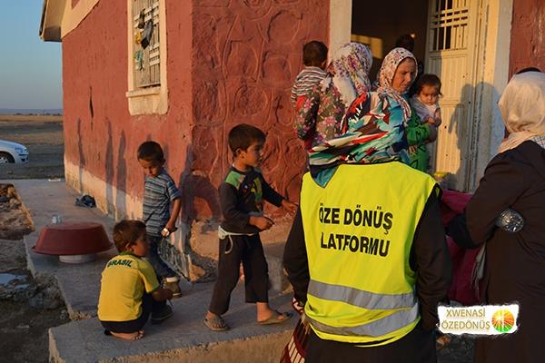 Öze Dönüş Platformu'nun Kobanili Muhacirlere Yardım Çalışması 99
