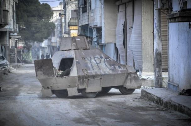 """Kobani'de silah sesi yerine """"izi"""" kaldı 1"""