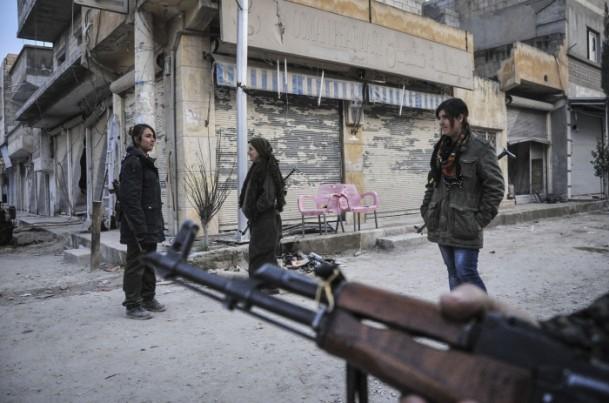 """Kobani'de silah sesi yerine """"izi"""" kaldı 16"""