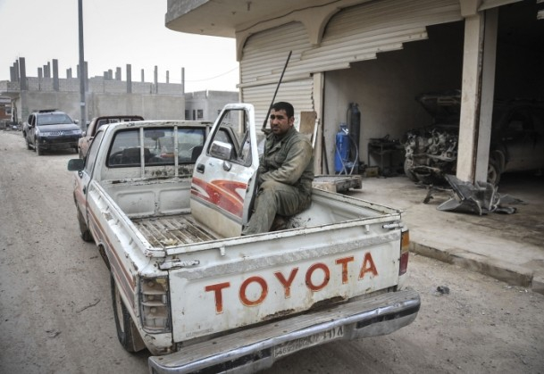 """Kobani'de silah sesi yerine """"izi"""" kaldı 17"""