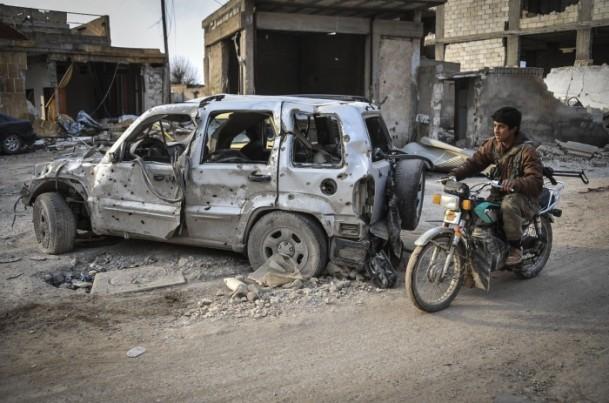 """Kobani'de silah sesi yerine """"izi"""" kaldı 19"""