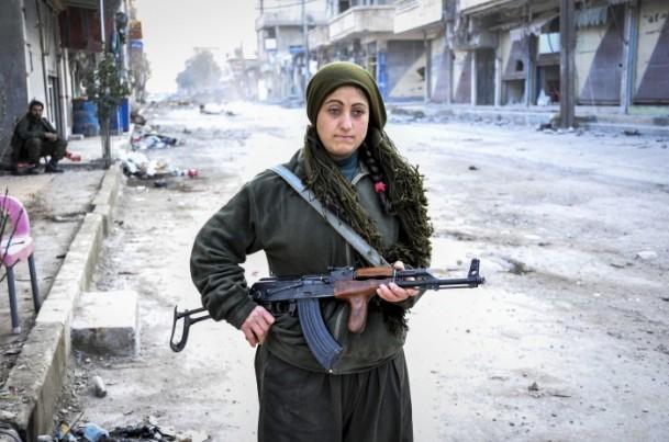 """Kobani'de silah sesi yerine """"izi"""" kaldı 27"""