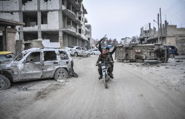 """Kobani'de silah sesi yerine """"izi"""" kaldı 31"""