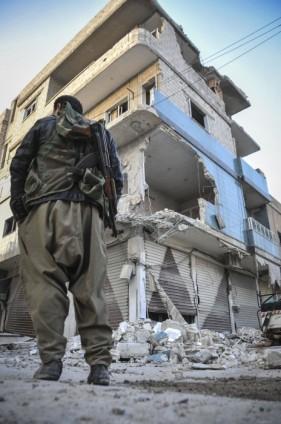 """Kobani'de silah sesi yerine """"izi"""" kaldı 5"""