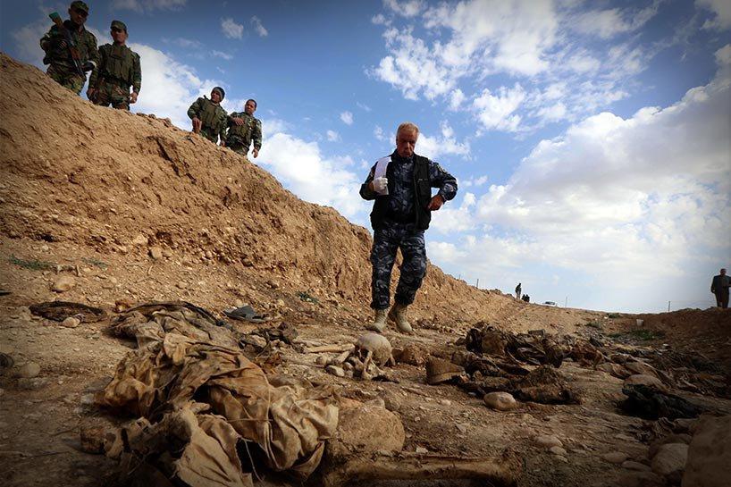 Şengal'de bulunan Ezidi Kürtler'e ait toplu mezarlar... 10