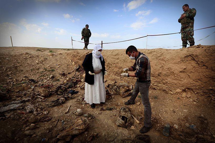 Şengal'de bulunan Ezidi Kürtler'e ait toplu mezarlar... 13