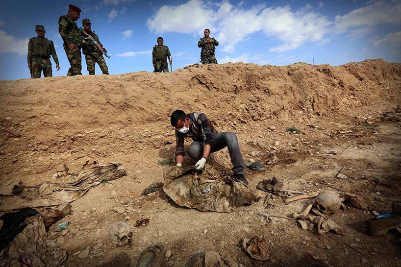Şengal'de bulunan Ezidi Kürtler'e ait toplu mezarlar... 15