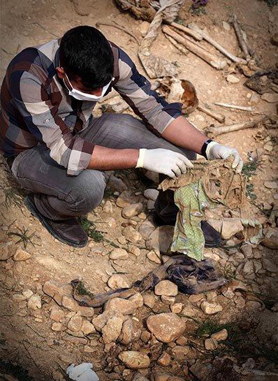 Şengal'de bulunan Ezidi Kürtler'e ait toplu mezarlar... 20