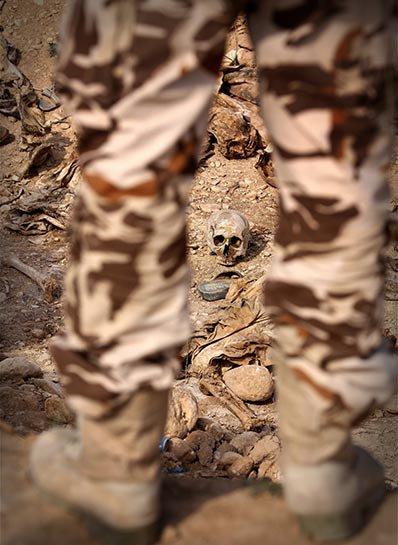 Şengal'de bulunan Ezidi Kürtler'e ait toplu mezarlar... 22