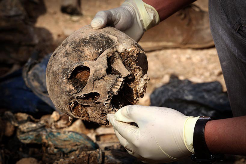 Şengal'de bulunan Ezidi Kürtler'e ait toplu mezarlar... 4