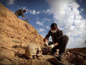 Şengal'de bulunan Ezidi Kürtler'e ait toplu mezarlar...