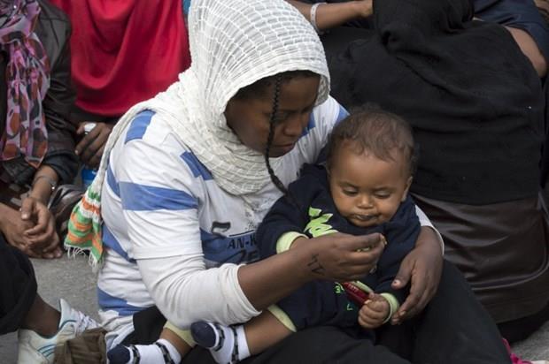 Arakanlı Müslümanlar günlerdir bir gemide aç ve susuz 27