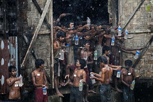 Arakanlı Müslümanlar yağmur suyuna muhtaç 1