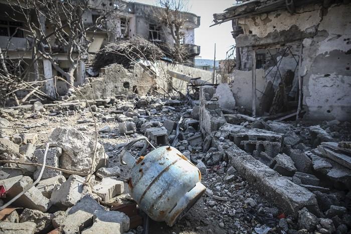 Çatışmaların Ardından Yıkık Bir Kent: Cizre 15
