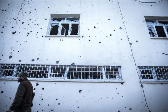 Çatışmaların Ardından Yıkık Bir Kent: Cizre 17