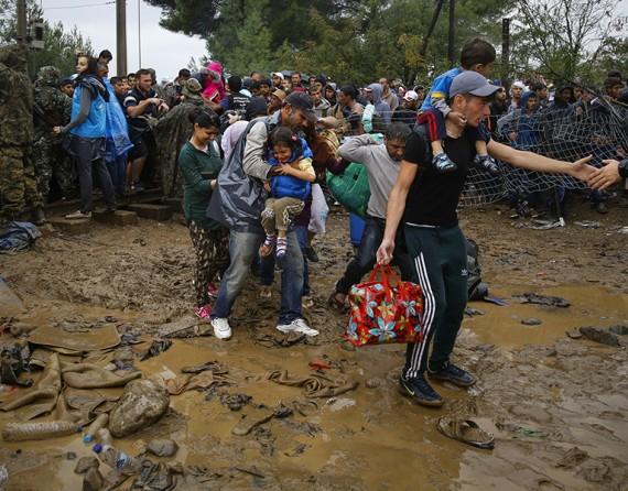 Dramı çeken mülteciler, ödülü alan fotoğrafçılar! 17