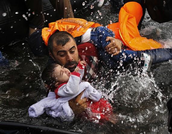 Dramı çeken mülteciler, ödülü alan fotoğrafçılar! 18