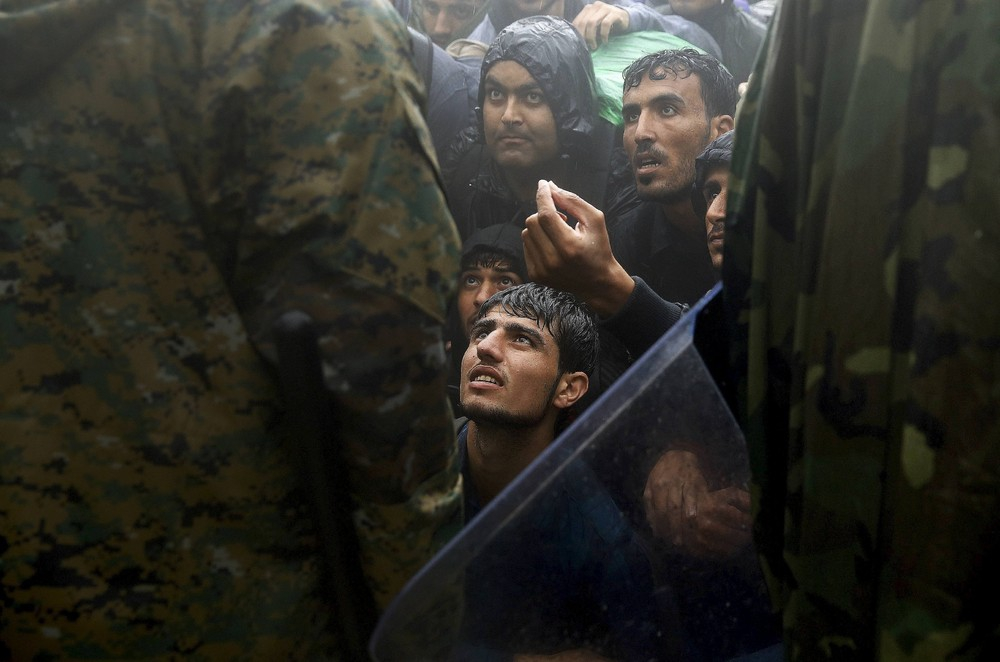 Dramı çeken mülteciler, ödülü alan fotoğrafçılar! 4