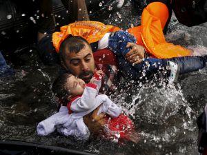 Dramı çeken mülteciler, ödülü alan fotoğrafçılar!