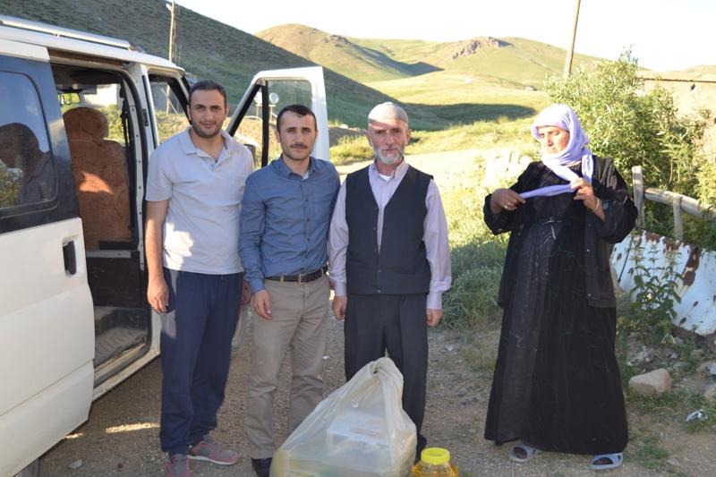 İzmir Öze Dönüş Yüksekova'da yardım çalışmalarına devam etti 5