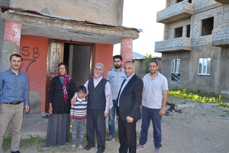 İzmir Öze Dönüş Yüksekova'da yardım çalışmalarına devam etti 6