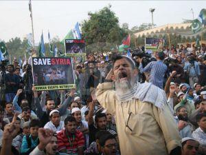 Pakistan'da Halep ve Myanmar'a destek gösterisi