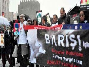 Diyarbakır'da kayıp yakınları 'JİTEM merkezi'ne yürüdü